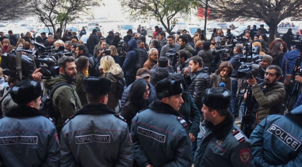 Yerevanda ömürlük məhbusların qohumları etiraz aksiyası keçirib